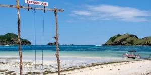 Pantai Tanjung Aan, Pantai Indah Asal Putri Mandalika, Lombok Tengah