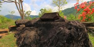 Kuburan Batu, Sarkofagus, situs ai renung, desa Batu Tering Sumbawa,  wisata di sumbawa,