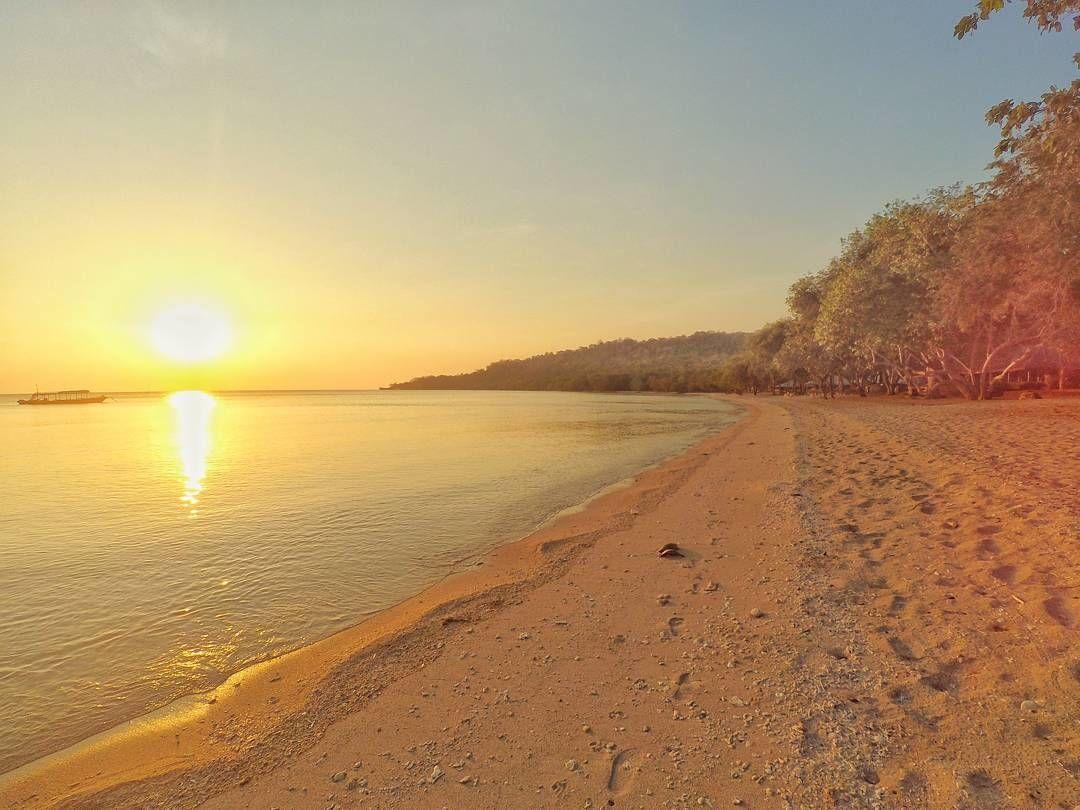 Pantai Brang sedo, Pulau Moyo. sumber :instagram.com/pulau_moyo