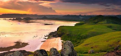 Sunset Di Pantai Tanjung Aan dari Bukit Merese