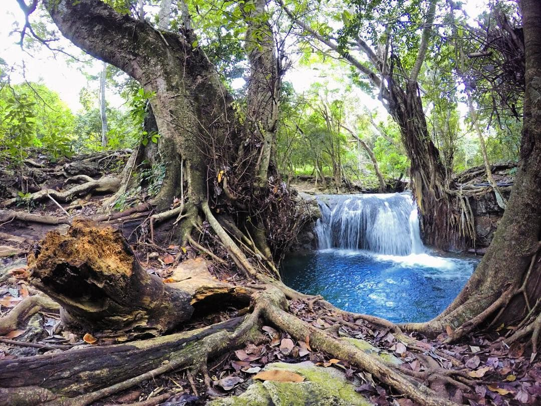 Air terjun Diwu Mbai, Pulau Moyo. sumber:instagram.com/ers_ega