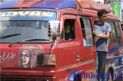 mobil engkel, angkutan umum antar kota di lombok