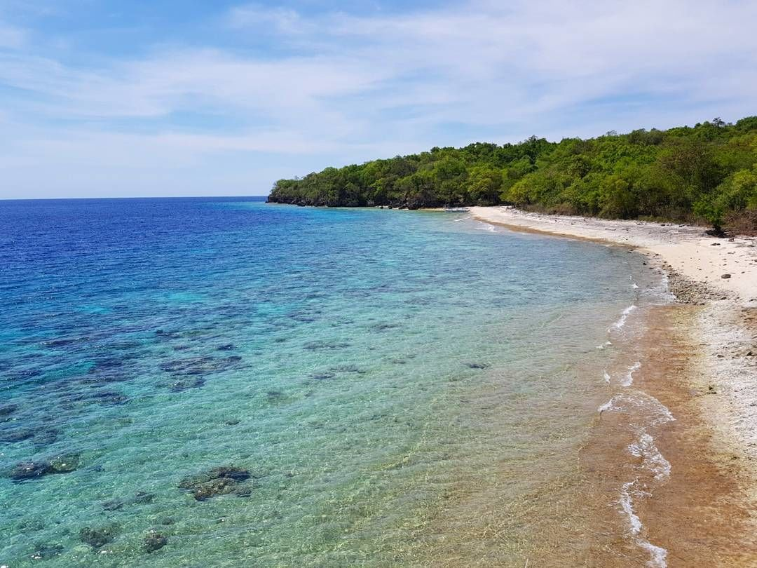 Pantai Poto Jarum Pulau Moyo. Sumber:instagram.com/nurul_firdha